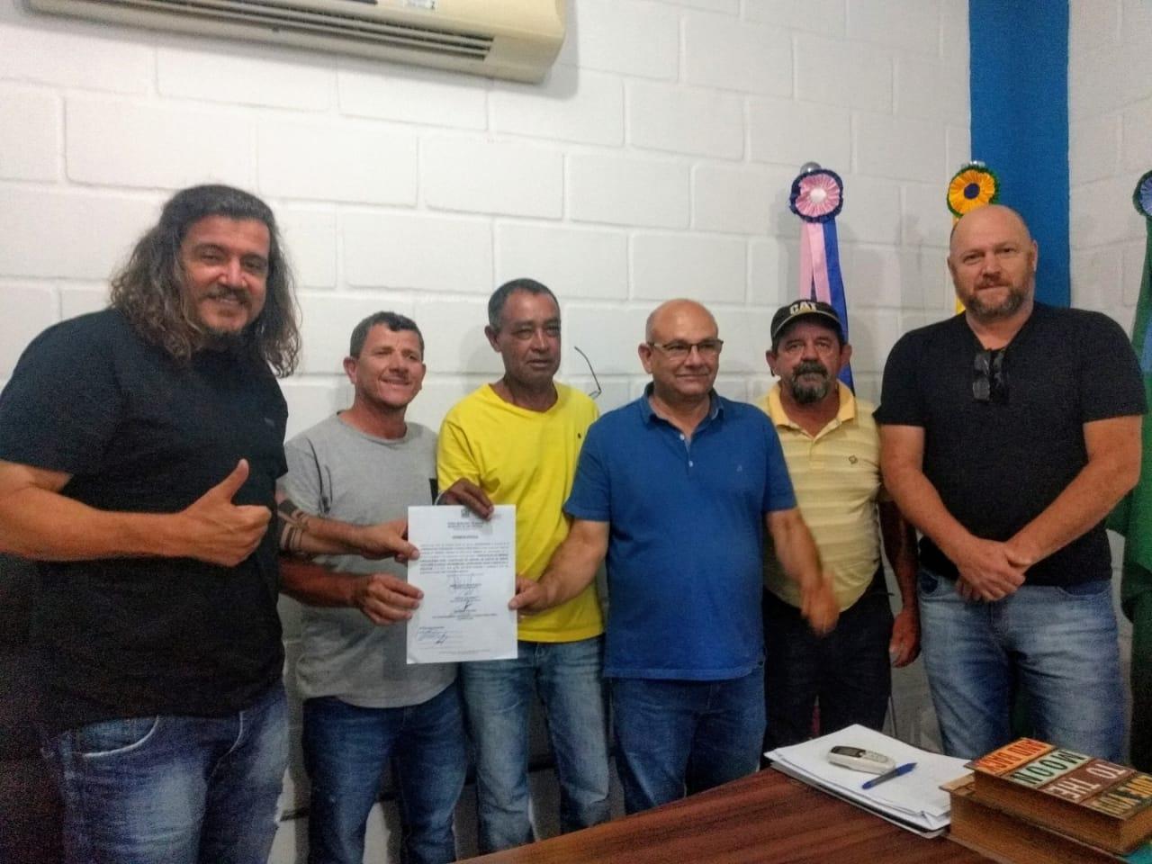 DANIEL AUTORIZA CONSTRUÇÃO DE 40 ABRIGOS DE PONTOS DE ÔNIBUS