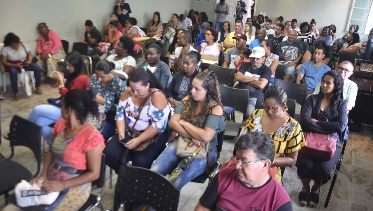 PREFEITO DANIEL SANTANA ATENDE DEMANDAS DA POPULAÇÃO