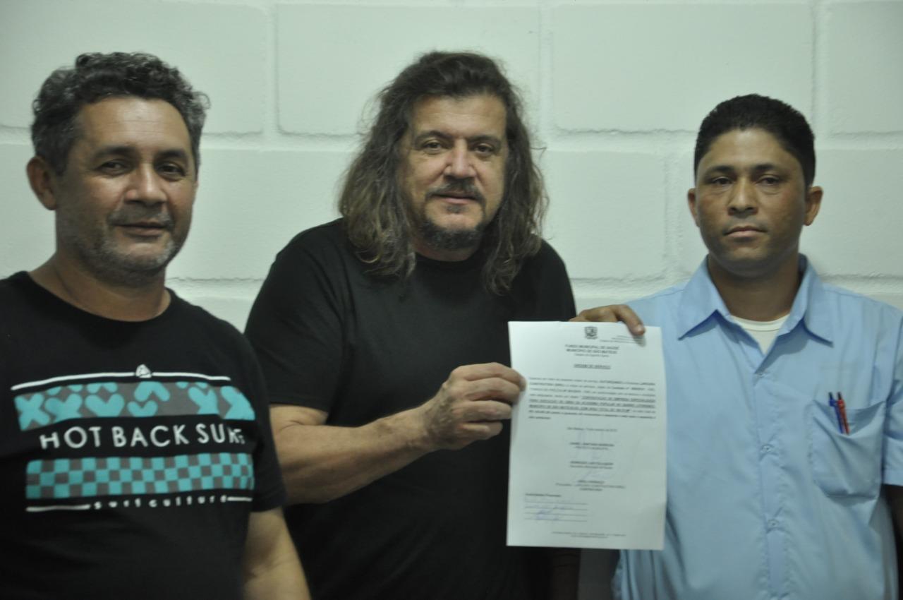 PREFEITO DE SÃO MATEUS ASSINA ORDEM DE SERVIÇO PARA INSTALAÇÃO DE ACADEMIA POPULAR NO BAIRRO LITORÂNEO