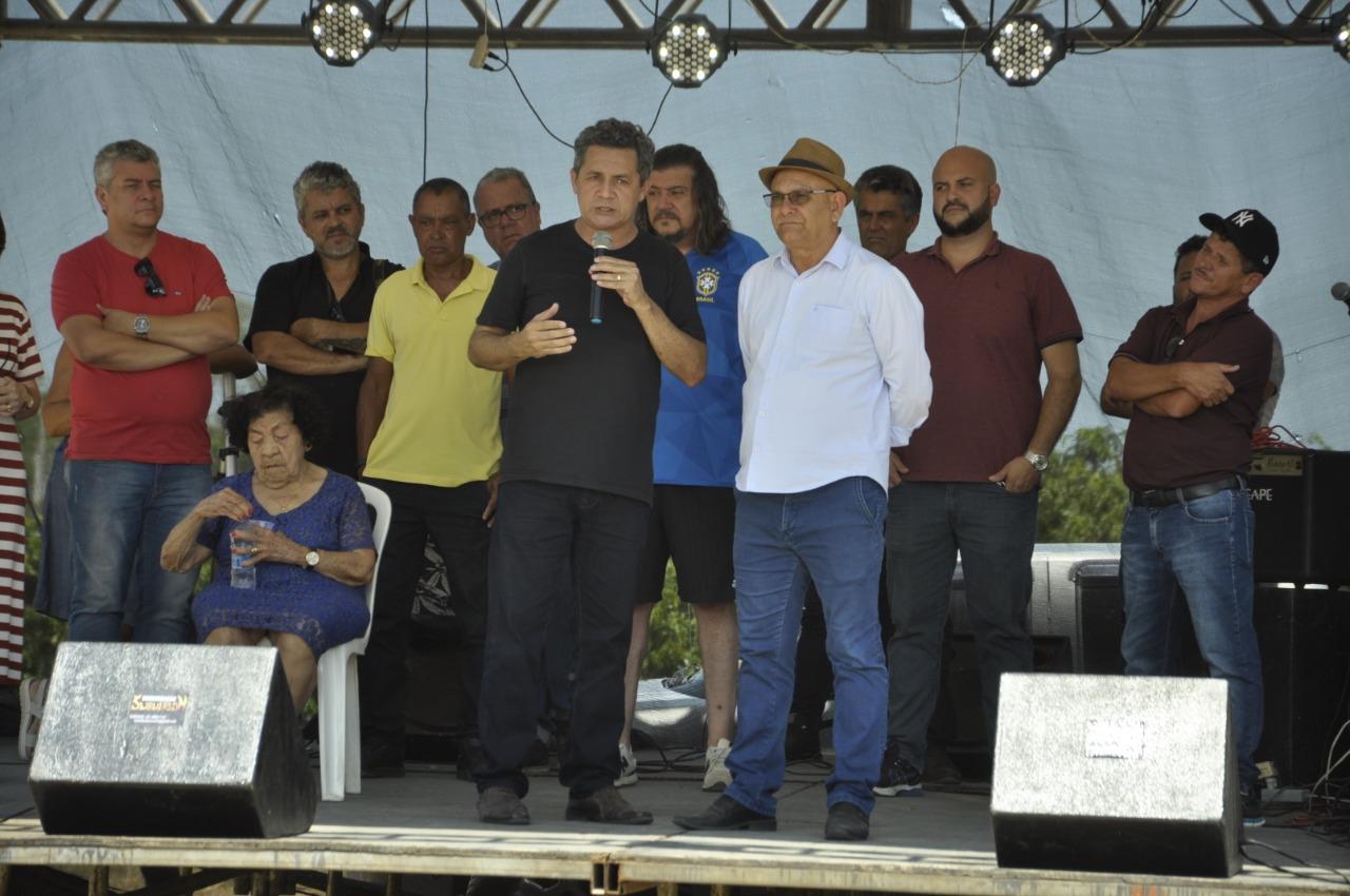 CONFRATERNIZAÇÃO COM AS FAMÍLIAS MARCA INAUGURAÇÃO DE QUADRA POLIESPORTIVA EM SÃO PEDRO