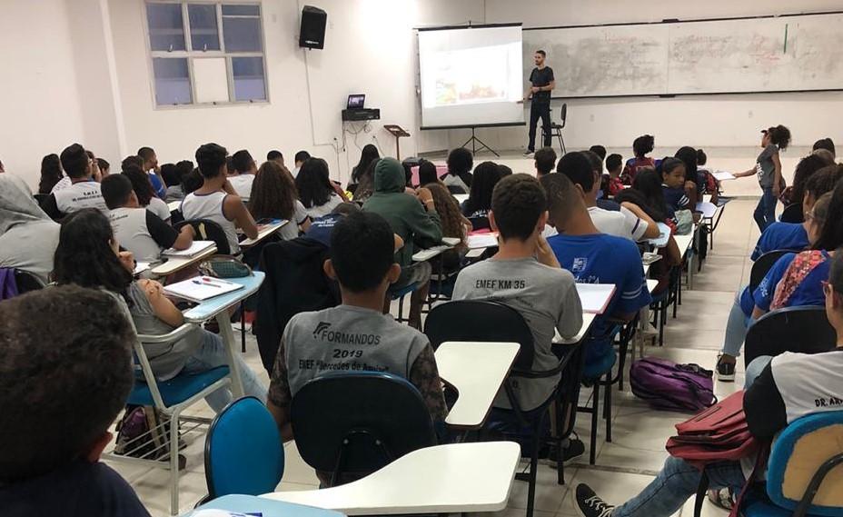 REDE MUNICIPAL DE EDUCAÇÃO EM FESTA: 28 ESTUDANTES JÁ ESTÃO APROVADOS NO IFES