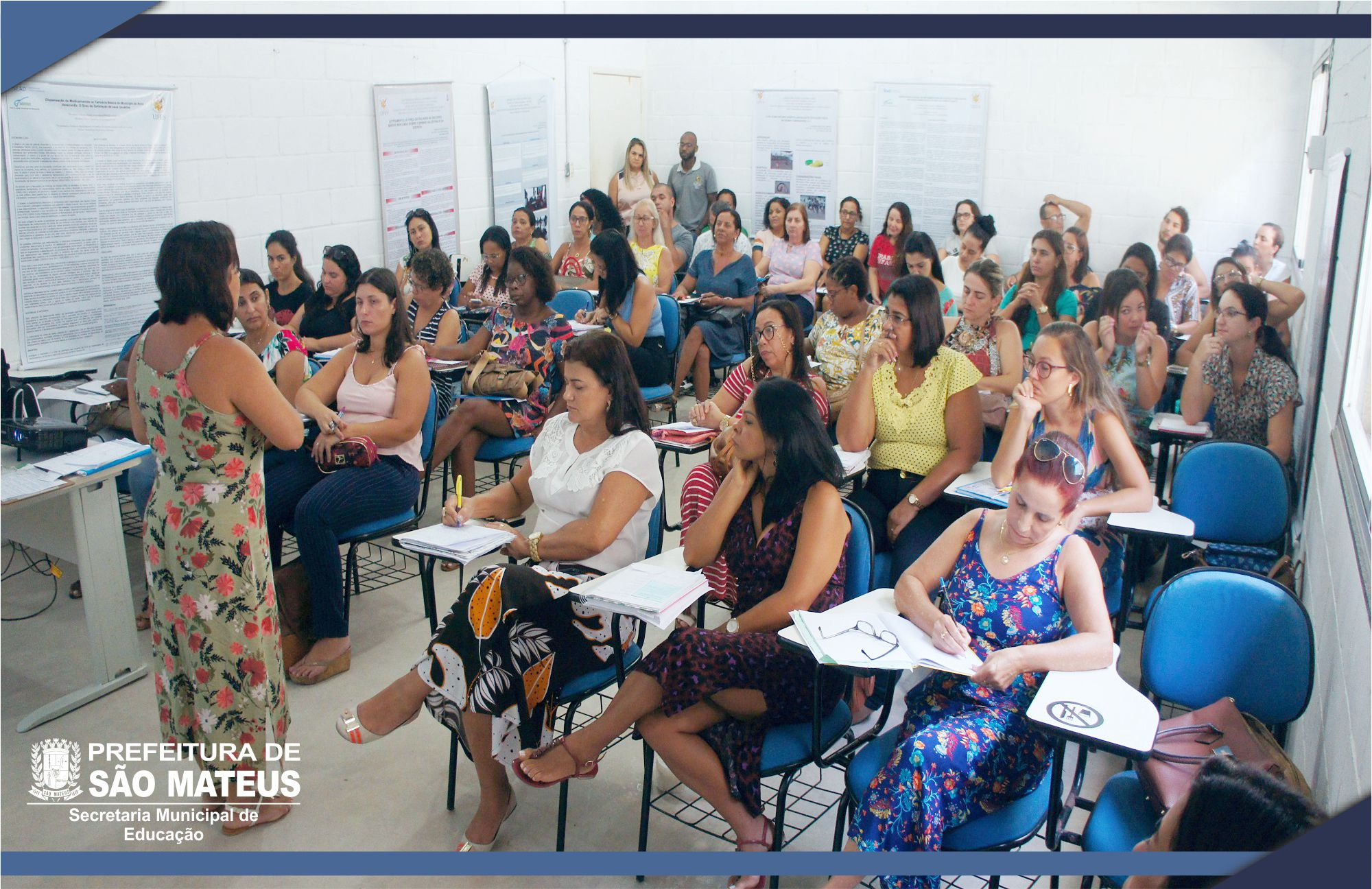 PEDAGOGOS DO FUNDAMENTAL RECEBEM VERSÃO DIGITAL DO PROGRAMA DE ENSINO