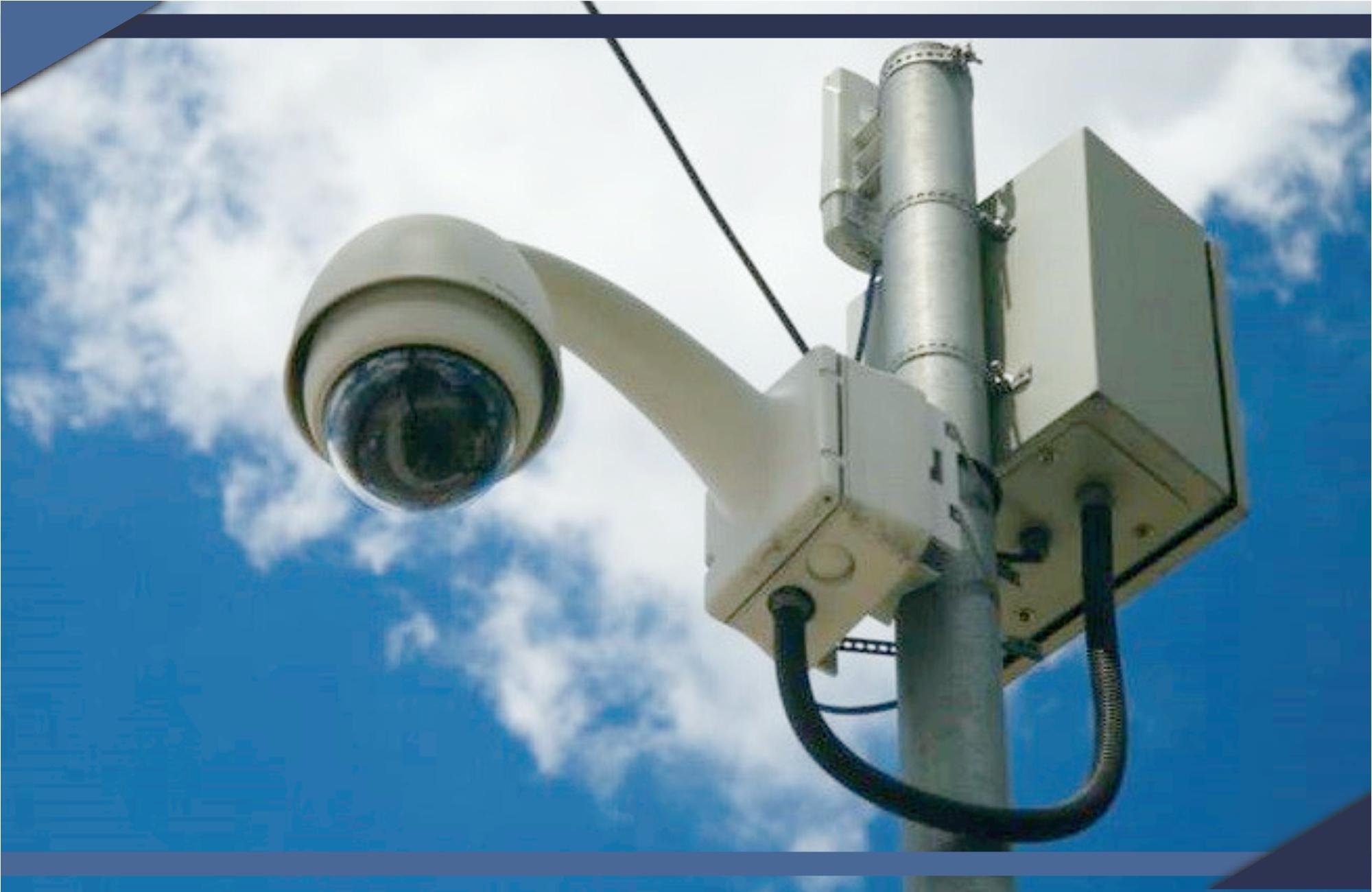 Central de monitoramento:  24 horas por dia auxiliando  na segurança do Município