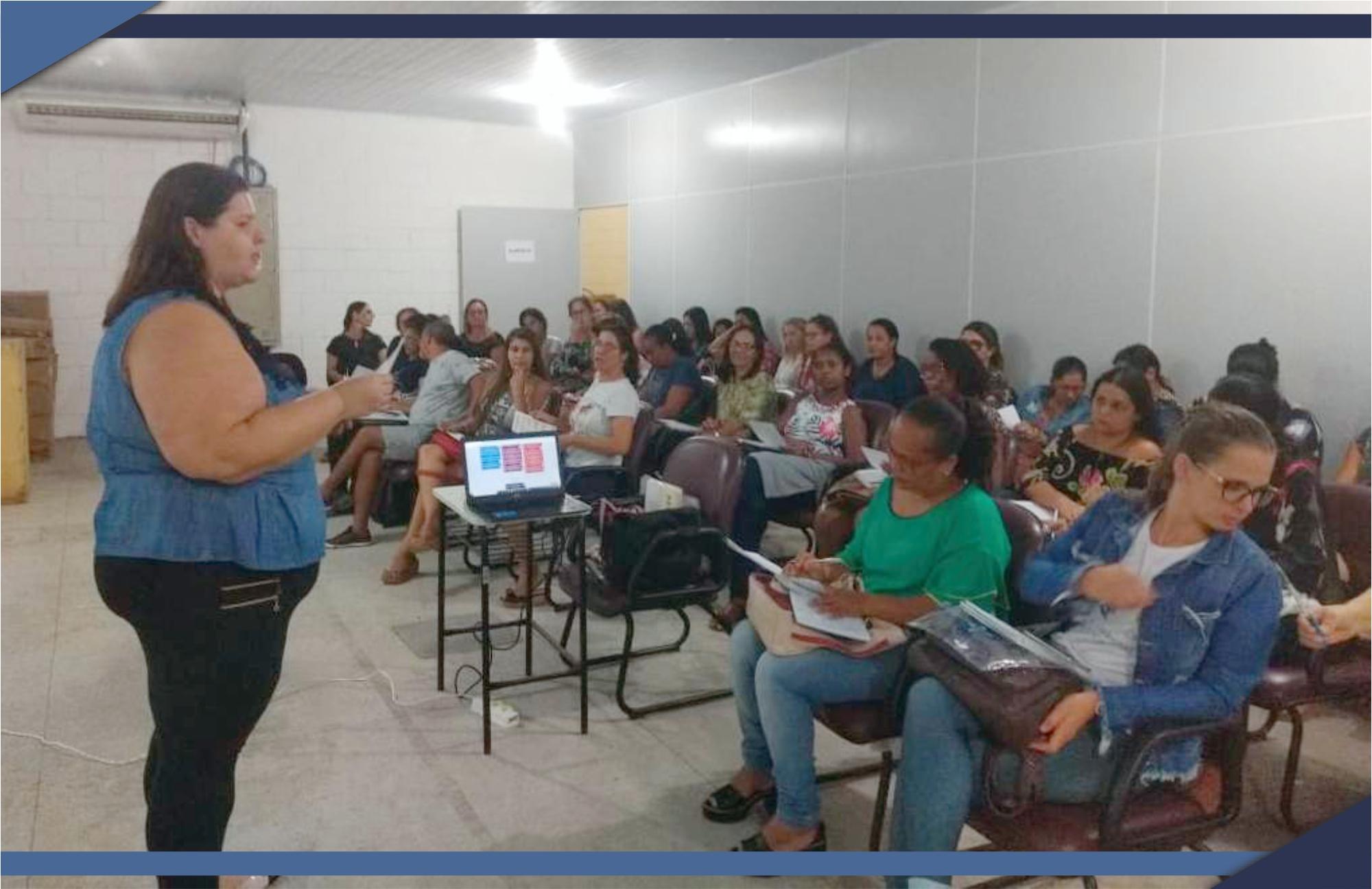 """PROFESSORES DA REDE MUNICIPAL PARTICIPAM DE FORMAÇÃO """"NAS TRILHAS DO PAES"""""""