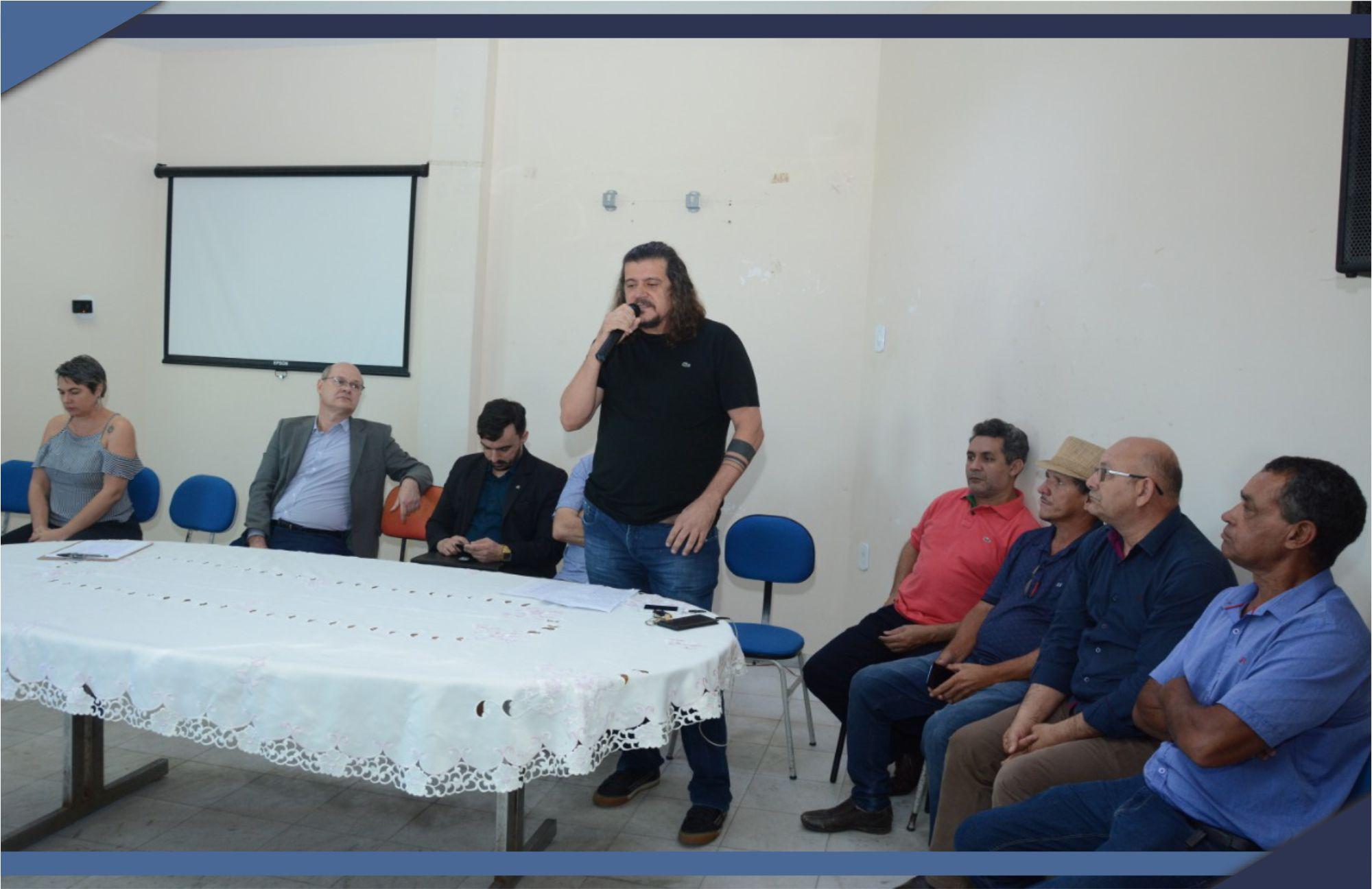 PREFEITO DANIEL SANTANA ESTUDA ALTERNATIVAS PARA SALVAR O SAAE